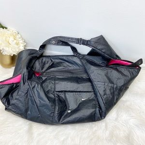 Nike Victory Gym Club Duffle Bag Black Pink